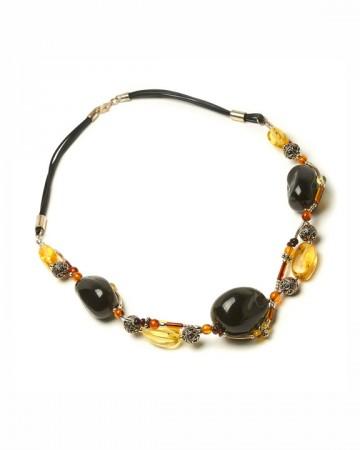 paris-france-amber-collier-3340-1