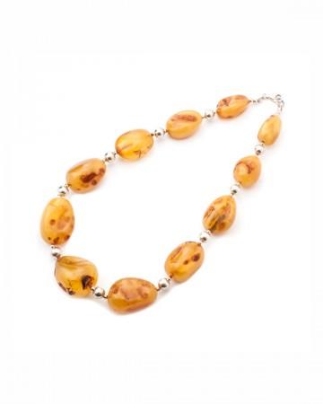 paris-france-amber-collier-716-1
