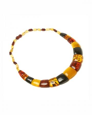 paris-france-amber-collier-768-1